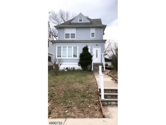 3 BR,  1.00 BTH House style home in Hackensack