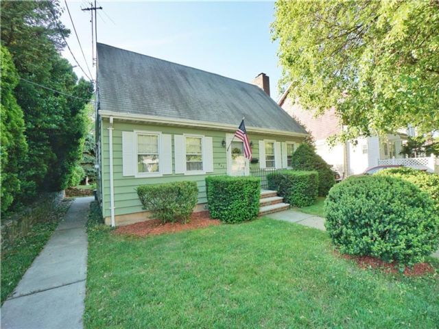 3 BR,  2.00 BTH  Single family style home in Concord