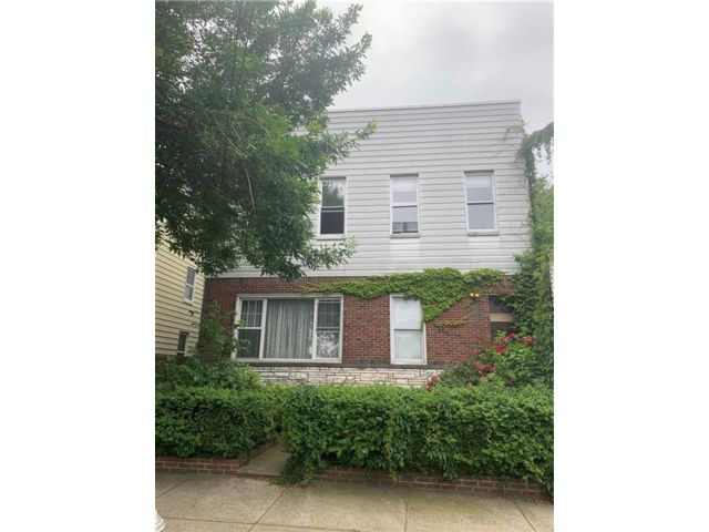 Studio,  3.00 BTH  Multi-family style home in Ridgewood