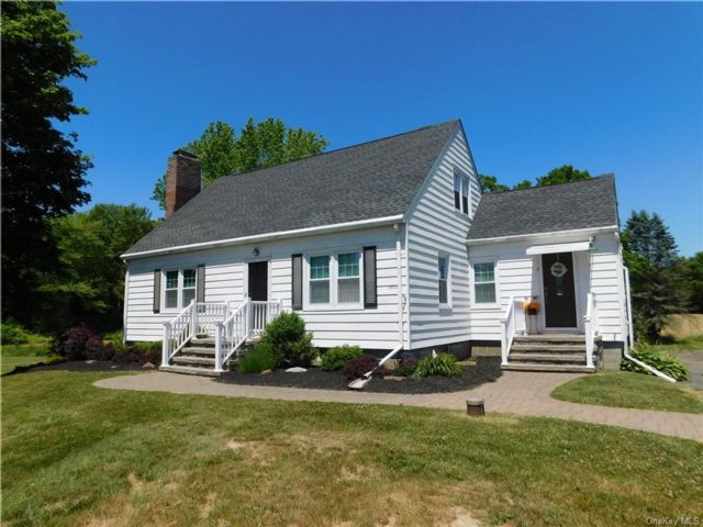 3 BR,  2.00 BTH Cape style home in Plattekill