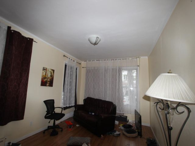 3 BR,  1.00 BTH  Rental style home in Sheepshead Bay