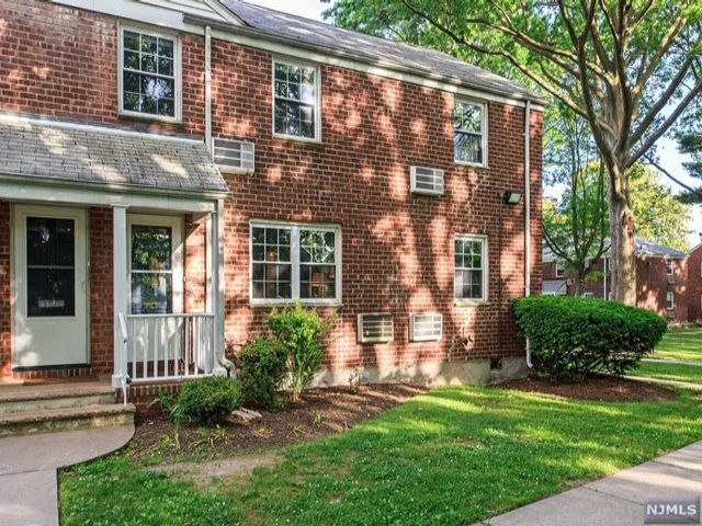 2 BR,  1.00 BTH Gard style home in Rutherford