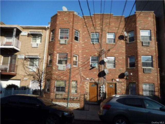 [Longwood Real Estate, listing number 6957837]