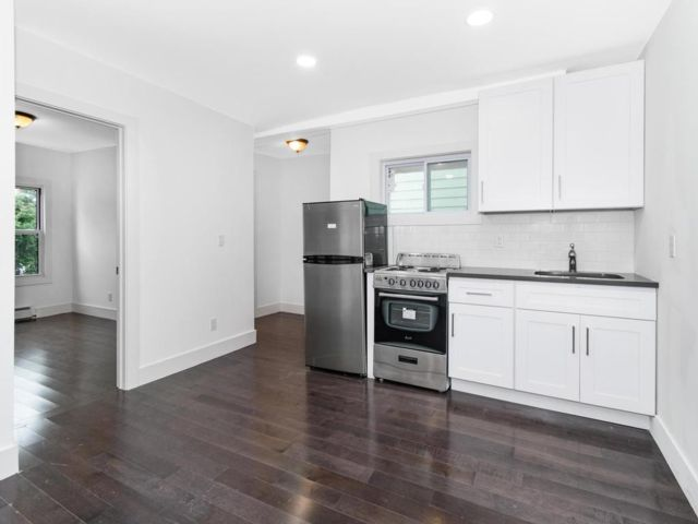 3 BR,  1.00 BTH  Townhouse style home in White Plains