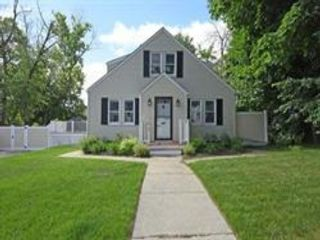 5 BR,  2.00 BTH Contemporary style home in Worcester