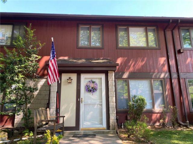 3 BR,  2.00 BTH Condominium style home in New Springville