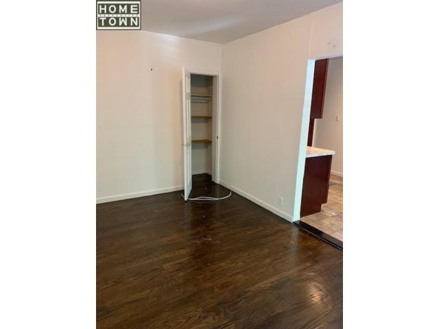 2 BR,  1.00 BTH  Apartment style home in Park Slope