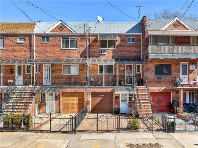 3 BR,  3.00 BTH  Single family style home in Sheepshead Bay