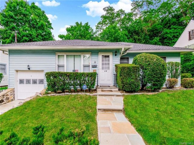 3 BR,  2.00 BTH Ranch style home in Yonkers