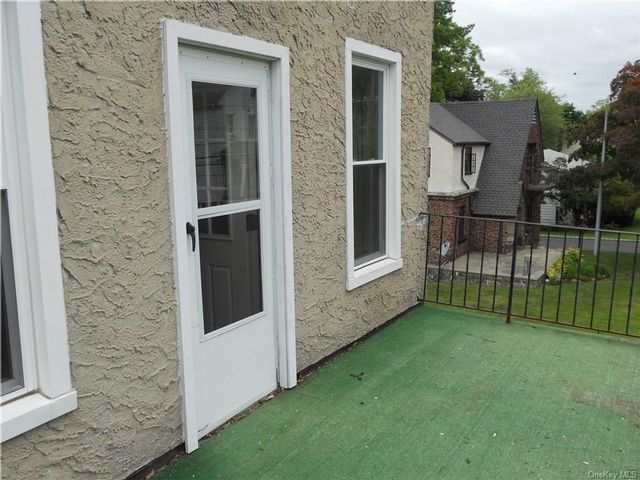 1 BR,  1.00 BTH 2 story style home in Mount Pleasant