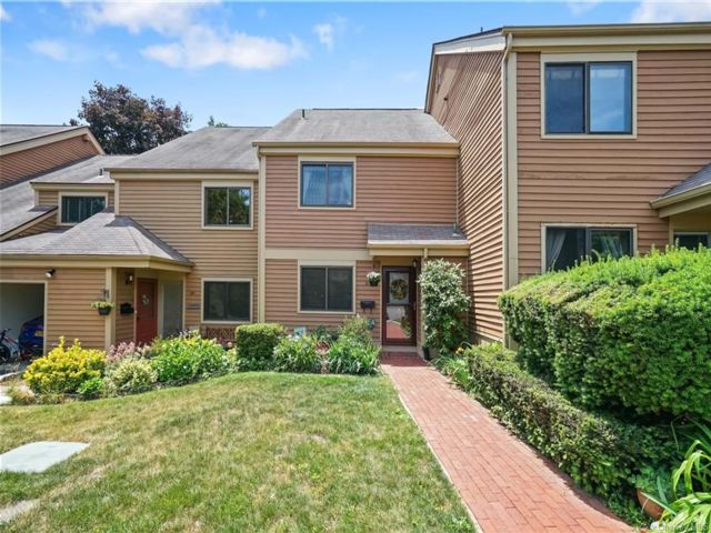 2 BR,  2.00 BTH Townhouse style home in Rye