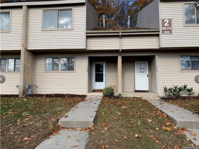3 BR,  3.00 BTH  Townhouse style home in Middletown