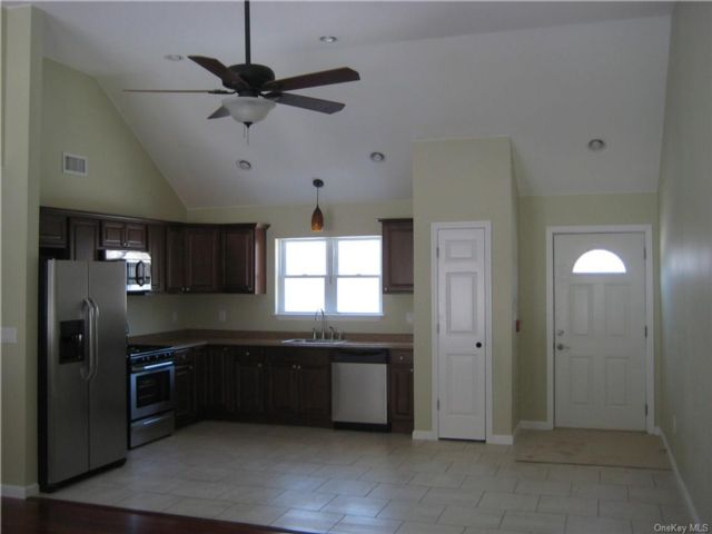2 BR,  1.00 BTH Apartment style home in Cornwall