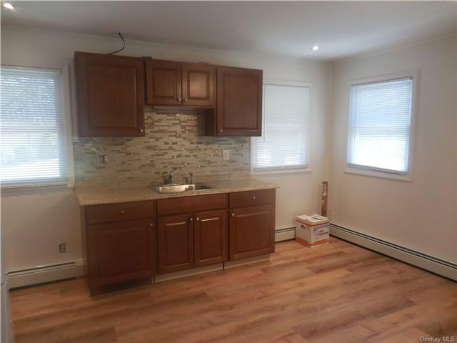 2 BR,  1.00 BTH  Apartment style home in Monroe Town