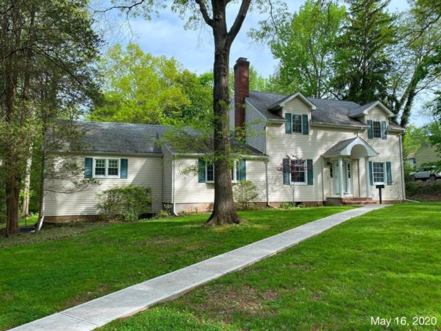 5 BR,  2.50 BTH  Colonial style home in Scotch Plains