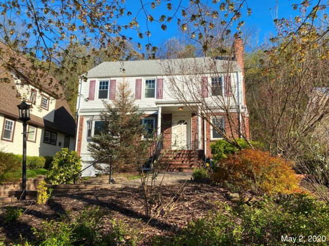 4 BR,  2.00 BTH  Colonial style home in Scotch Plains