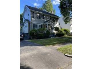 3 BR,  1.50 BTH Colonial style home in Worcester