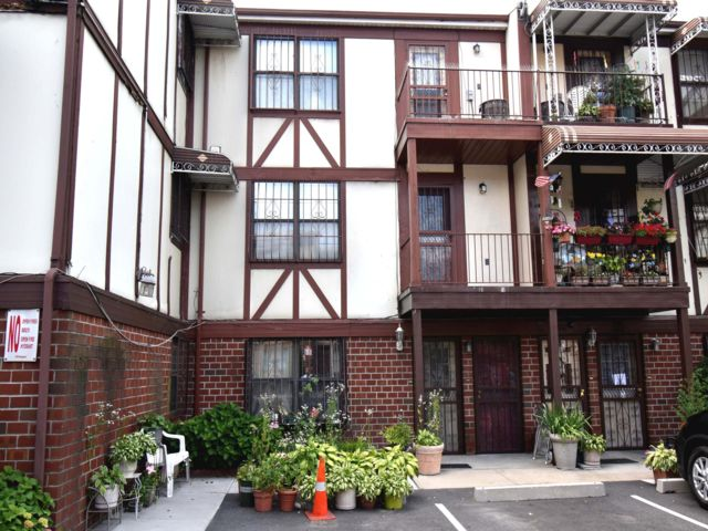 3 BR,  1.50 BTH Townhouse style home in Bronx