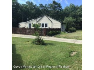 2 BR,  1.00 BTH  Expanded ranch style home in Toms River