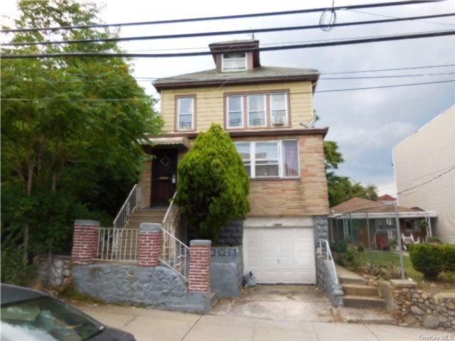 [Esplanade Real Estate, listing number 6958900]