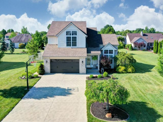 4 BR,  2.55 BTH 2 story style home in Northwood