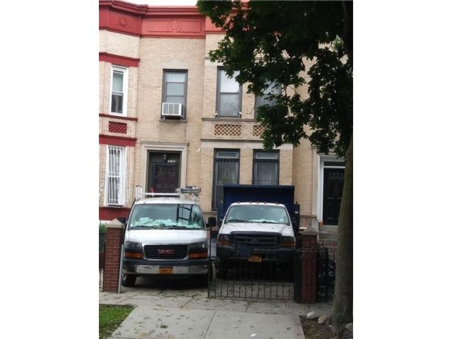 3 BR,  1.00 BTH Single family style home in Lefferts Garden