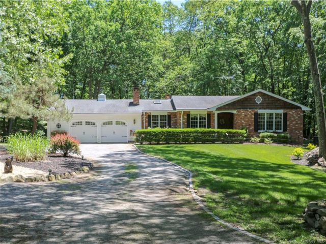 4 BR,  4.00 BTH Ranch style home in Stony Point