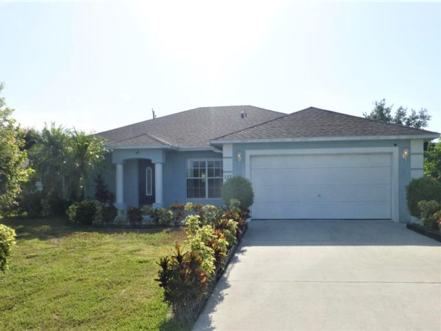 3 BR,  3.00 BTH  Contemporary style home in Port Saint Lucie