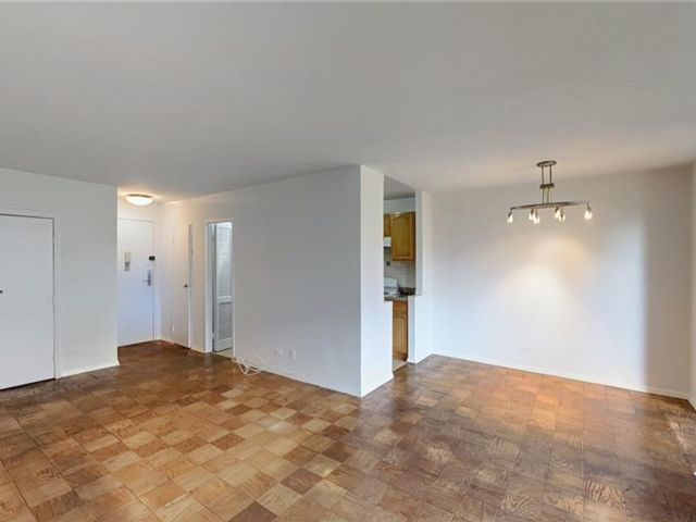 1 BR,  1.00 BTH Condominium style home in Upper West Side