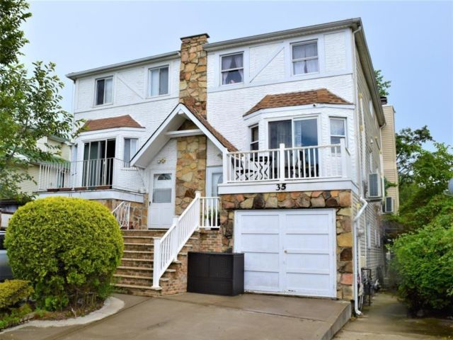 4 BR,  4.00 BTH Single family style home in Heartland Village
