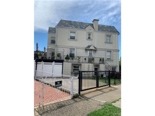 2 BR,  1.00 BTH Multi-family style home in Madison