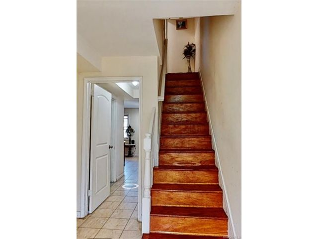 4 BR,  2.00 BTH Townhouse style home in Wakefield