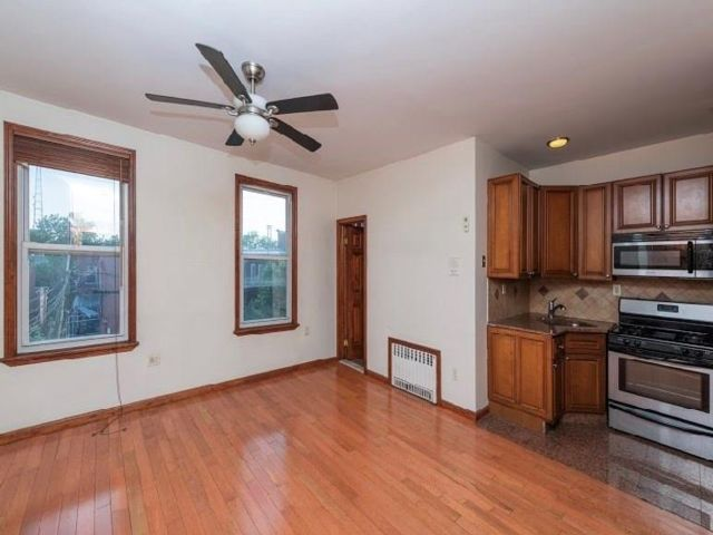 1 BR,  1.00 BTH  Multi-family style home in Windsor Terrace