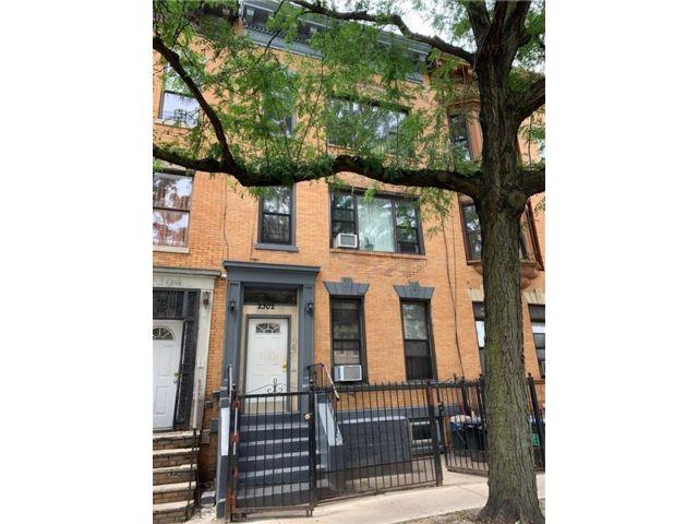 [Flatbush Real Estate, listing number 6959629]