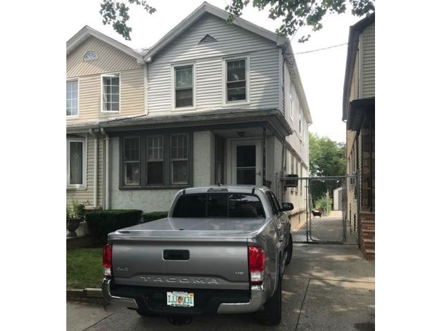 3 BR,  1.50 BTH 2 story style home in Brooklyn