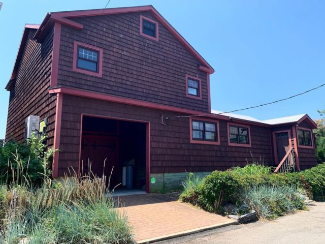 2 BR,  2.00 BTH  Custom style home in Broad Channel