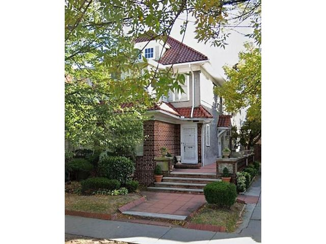 7 BR,  0.00 BTH  Multi-family style home in Midwood