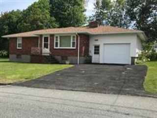 3 BR,  2.00 BTH Ranch style home in Worcester