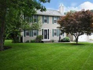 3 BR,  2.55 BTH Colonial style home in Worcester