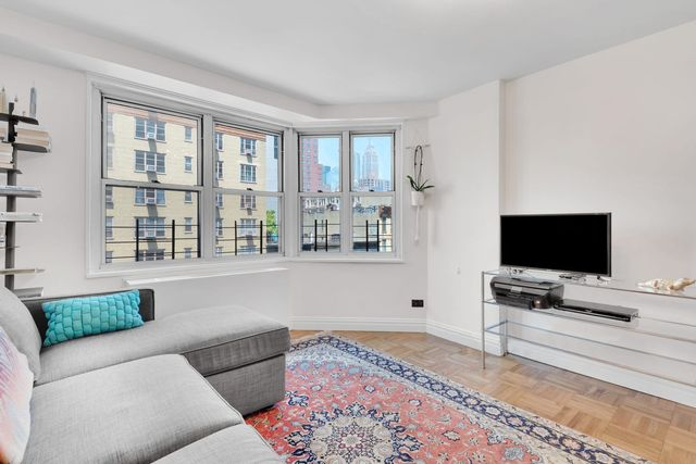 2 BR,  1.00 BTH Coop style home in Gramercy
