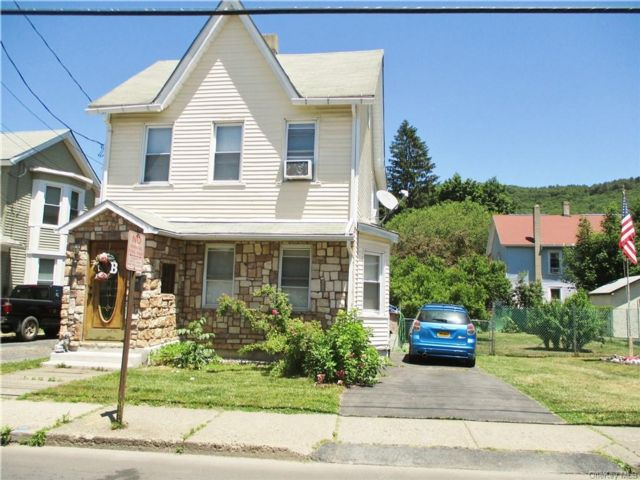 2 BR,  2.00 BTH  2 story style home in Port Jervis