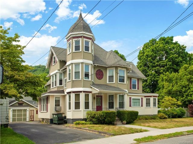 1 BR,  1.00 BTH Victorian style home in Port Jervis