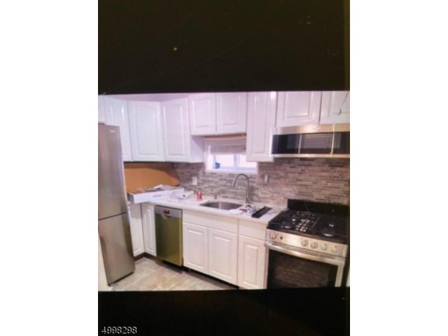 2 BR,  1.00 BTH House style home in Clifton