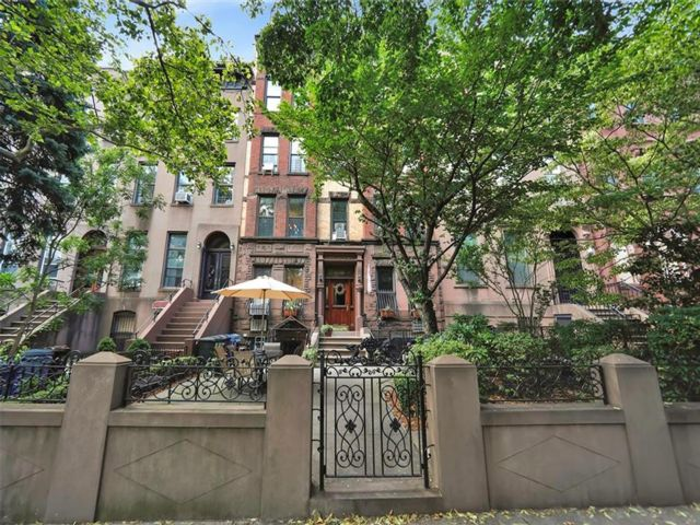 17 BR,  8.00 BTH  Multi-family style home in Carroll Gardens