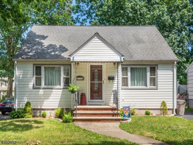 4 BR,  1.50 BTH  Cape cod style home in Wayne