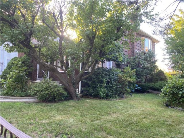 [Throggs Neck Real Estate, listing number 6960691]