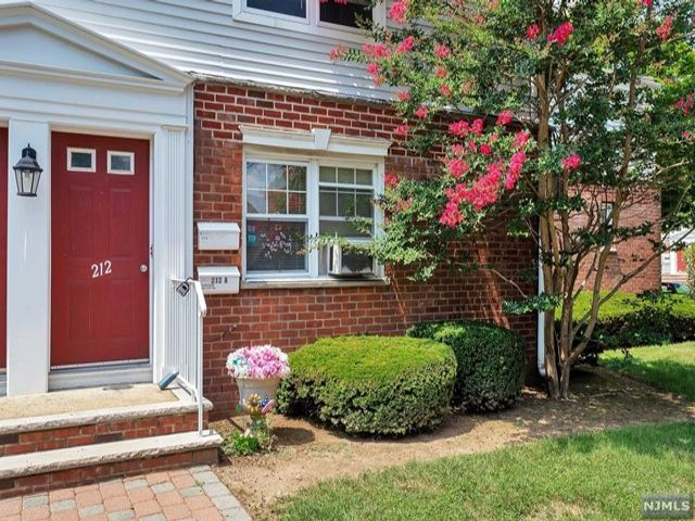 1 BR,  1.00 BTH Co-op style home in Rutherford