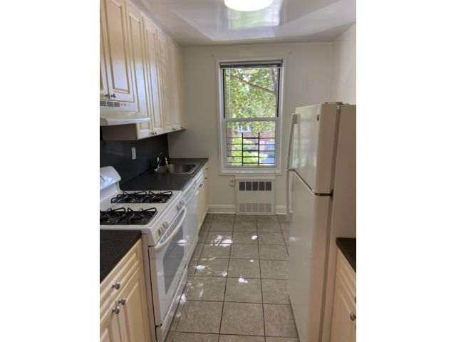 2 BR,  1.00 BTH   style home in Flushing
