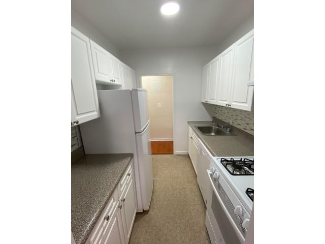 2 BR,  2.00 BTH  style home in Forest Hills