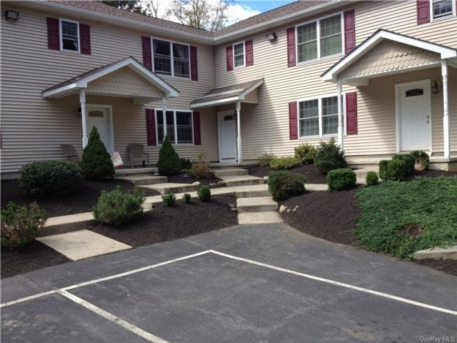 8 BR,  8.00 BTH  Townhouse style home in Plattekill